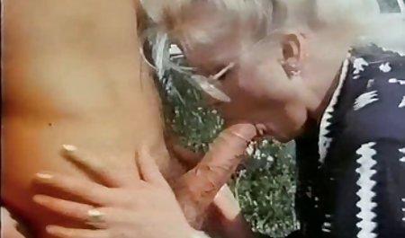 menggunakan jari-jari solo porn bokep