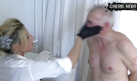 Rambut pirang menyebar kakinya memek dan anal dildo xxx guru les