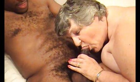 - Bukit memiliki cangkir hisap! video sex nenek tua